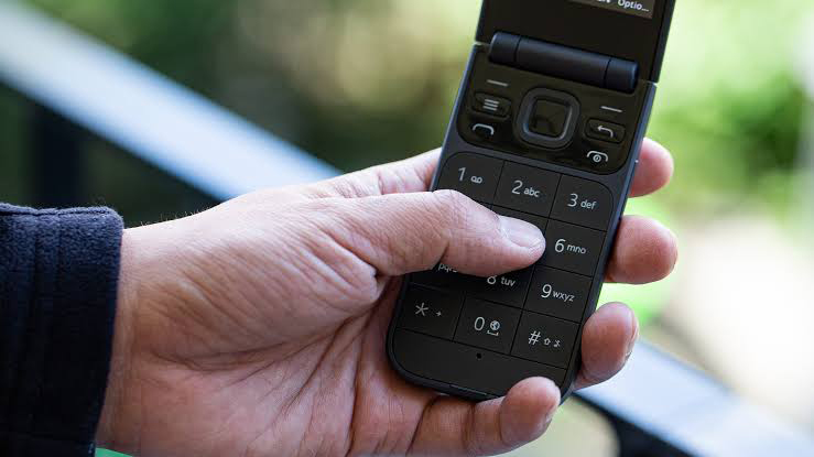 The Best Tracfone Flip Phones With Plans In 2020