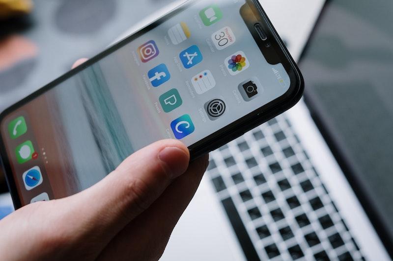 Simple Mobile Compatible Phones